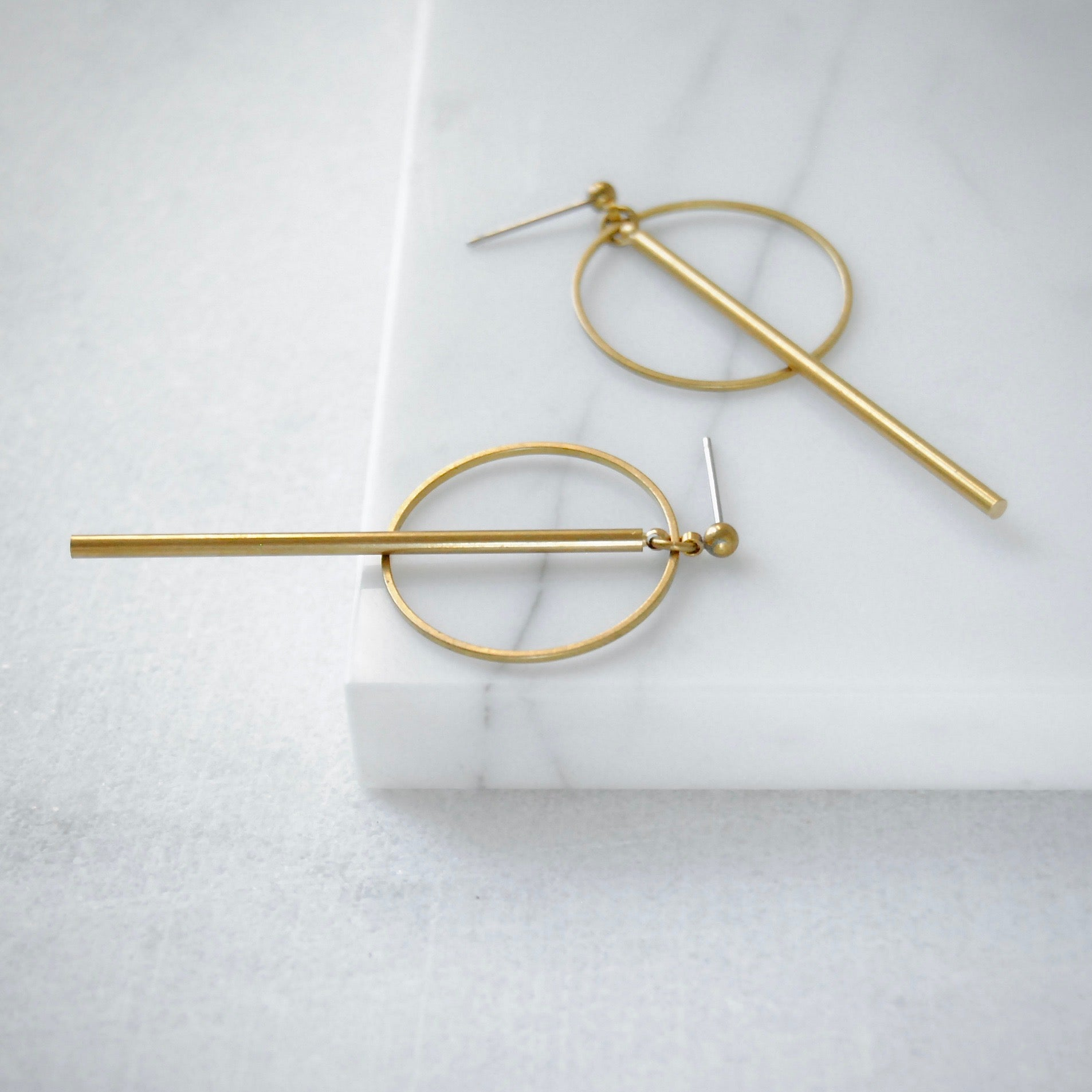 CIRCLE AND BAR EARRINGS