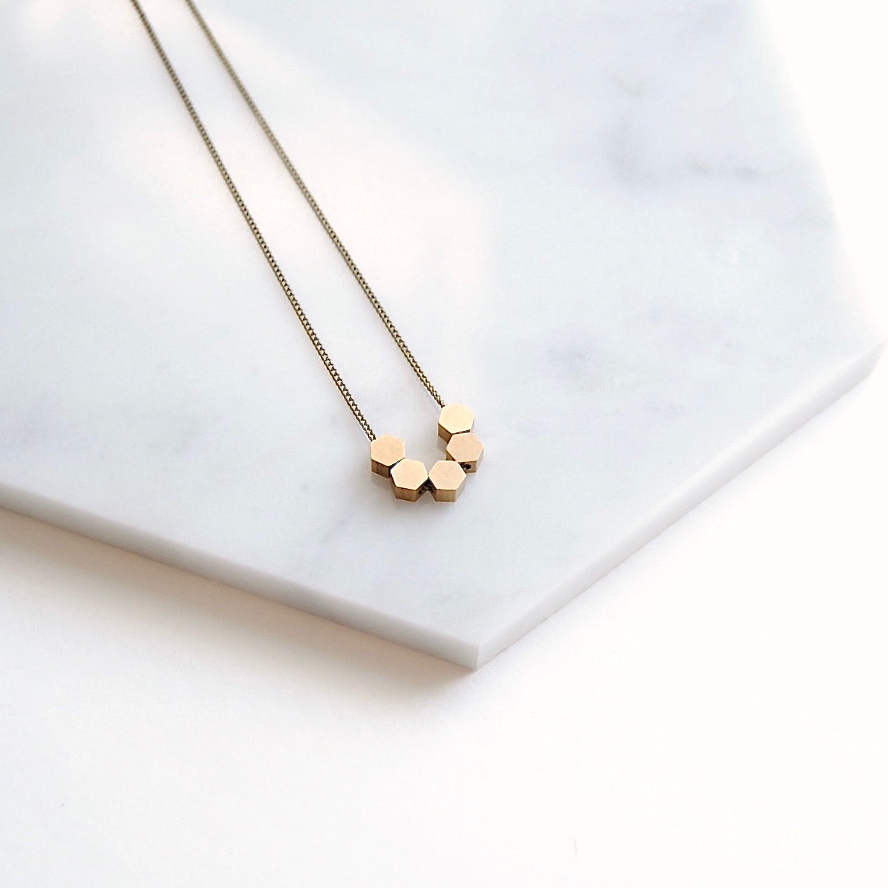 TINY HEXAGONS NECKLACE