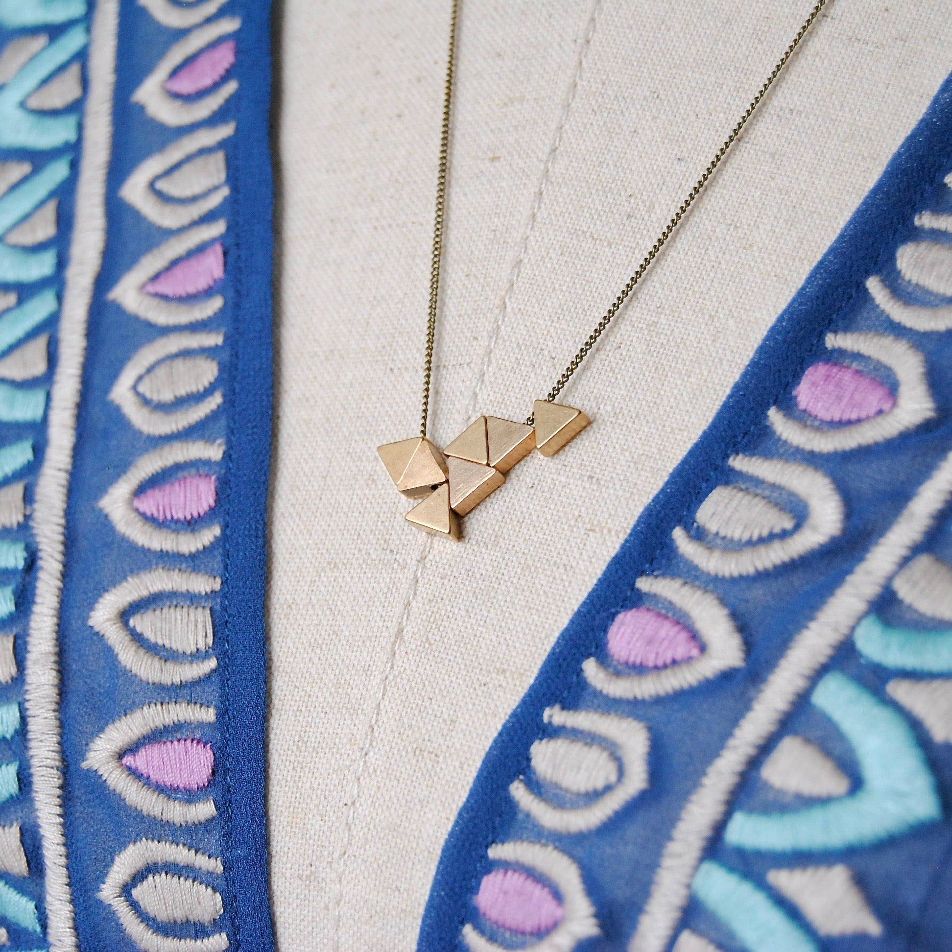 TRIANGLES CLUSTER NECKLACE