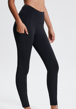 Load image into Gallery viewer, Run Outdoors Leggings