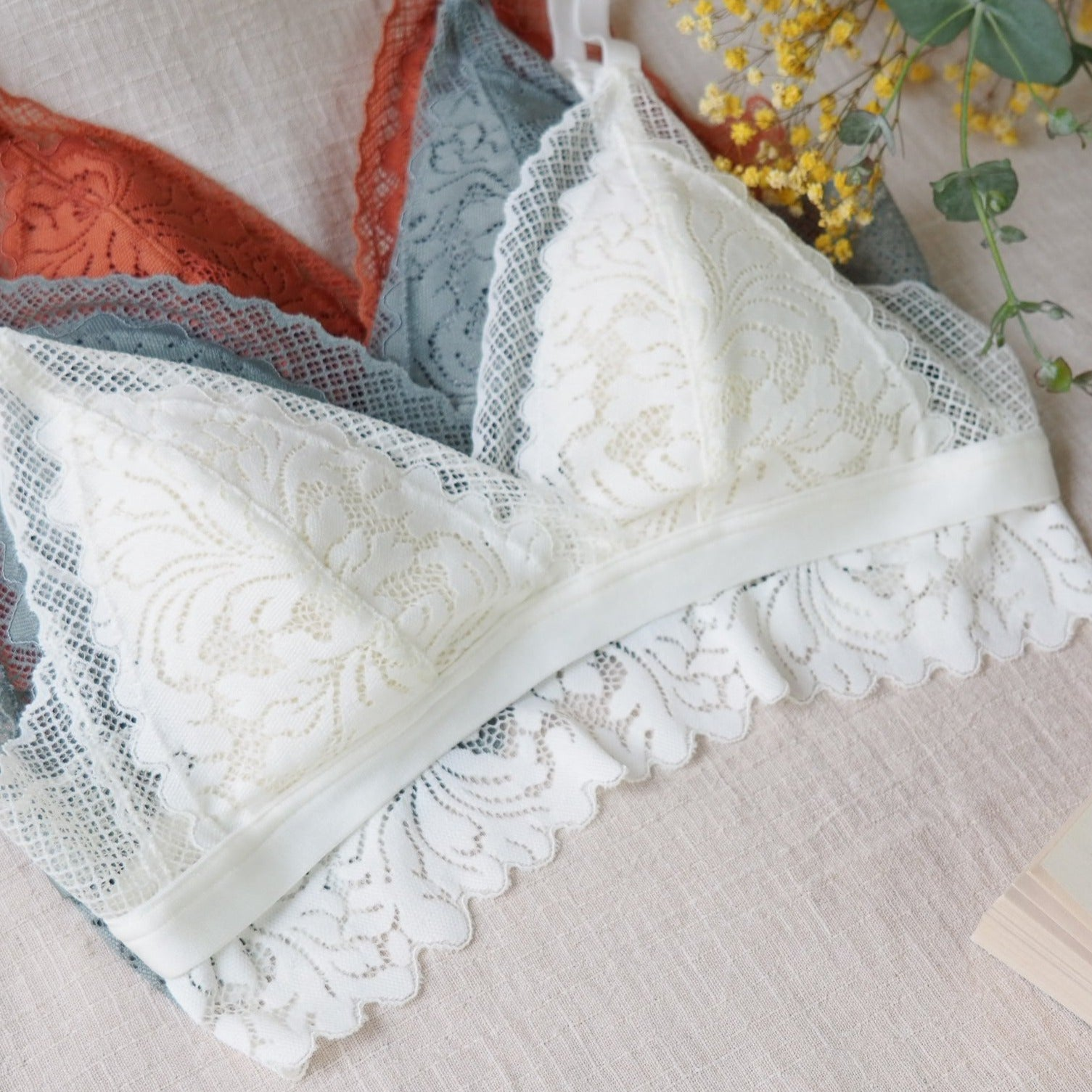 Romantic Lace Bralette Set