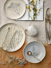Load image into Gallery viewer, Bea serving plate - nature