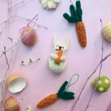 Load image into Gallery viewer, Bunny with carrot hanging felt dec