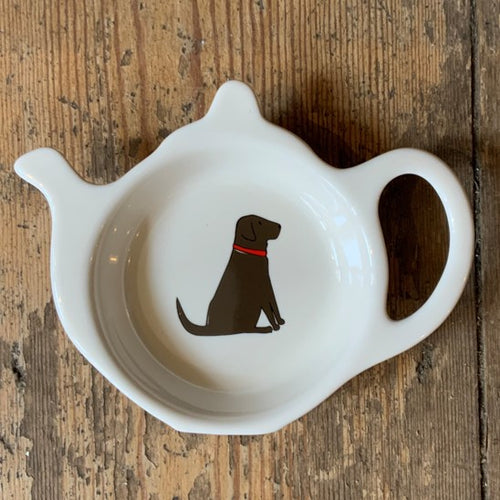 A fabulous tea bag dish for all Chocolate Labrador lovers. Presented in its very own kraft gift box to make the perfect present.