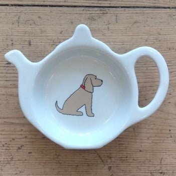 A fabulous tea bag dish for all golden cocker spaniel lovers. Presented in its very own kraft gift box to make the perfect present.