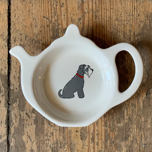 A fabulous tea bag dish for all Schnauzer lovers.  Presented in its very own kraft gift box to make the perfect present.