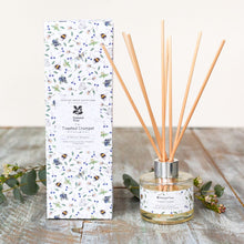 Load image into Gallery viewer, Wildflower meadows bee - glass candle & seed packet