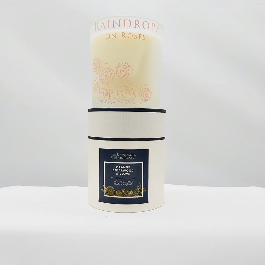 Raindrops on Roses candle - orange, cedarwood & clove