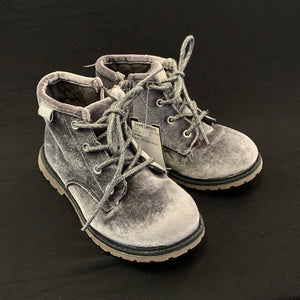 Old Navy BOOTS 10 youth
