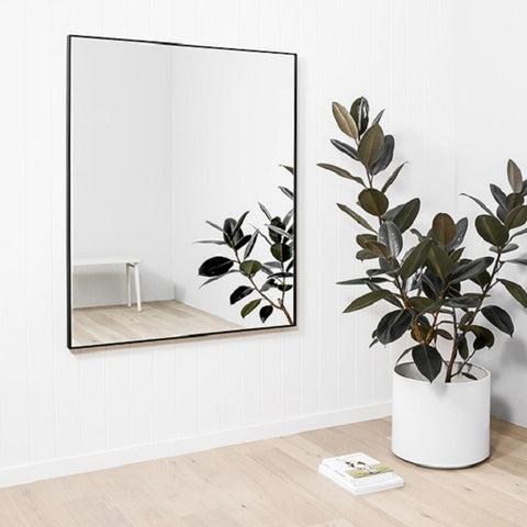 Middle of Nowhere | Flynn Rectangle Mirror Black