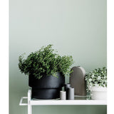 ZAKKIA | Podium Pot Large Black | Decor