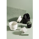 ZAKKIA | Podium Pot Flat Black | Decor