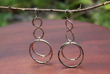 Load image into Gallery viewer, Eight Over Circle Earrings