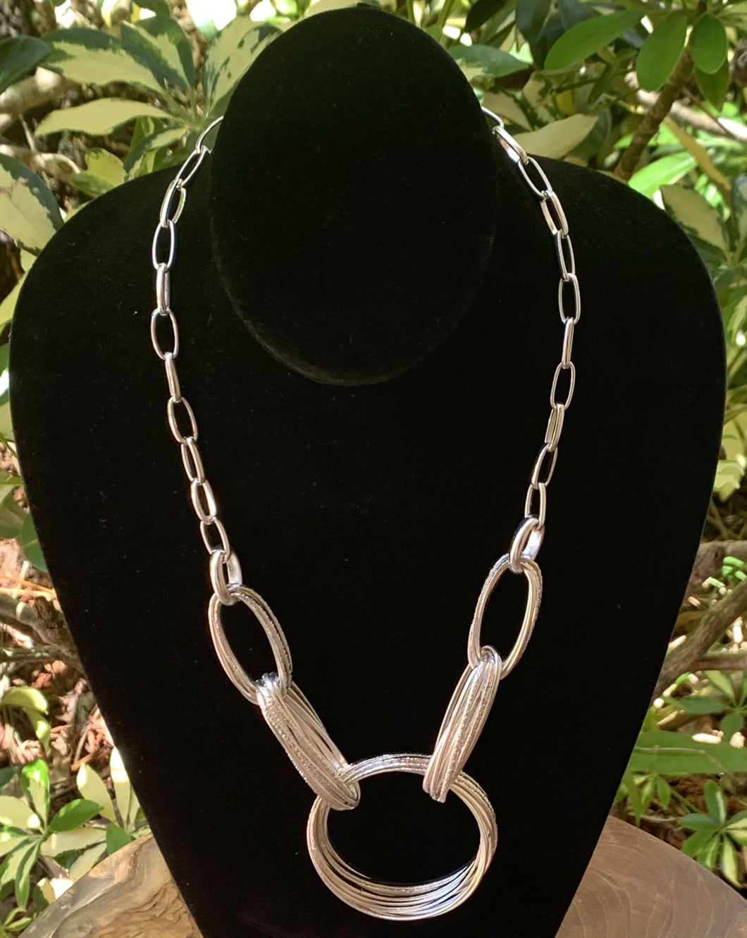 Silver Wire Oval and Circle Necklace