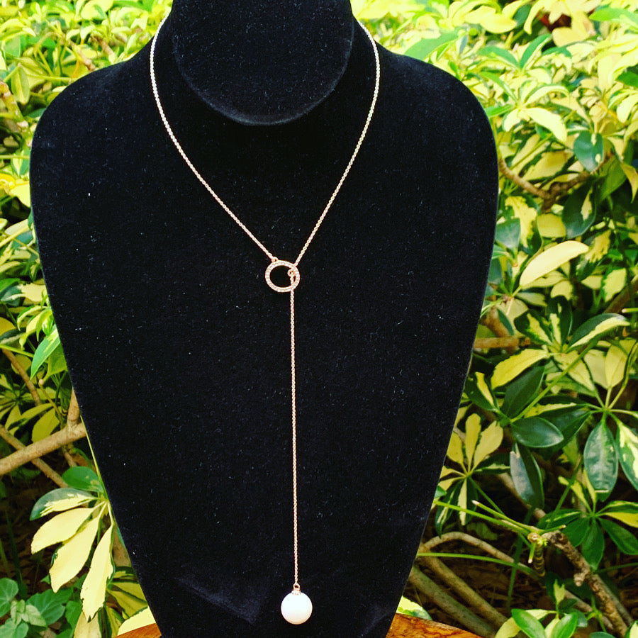 Gold Tone Necklace with Pearl Drop