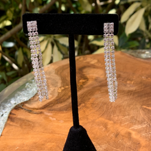 Load image into Gallery viewer, Triple Rhinestone Strands Earrings