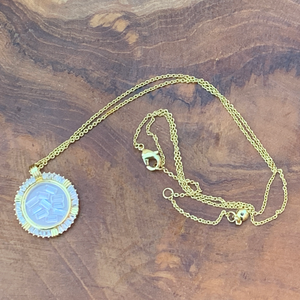 Gold Tone Floating Crystals Pendant Necklace
