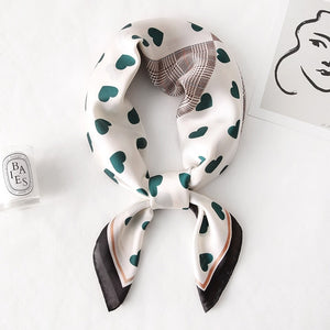 Bibi Love Heart, Houndstooth Printed Neck Scarf