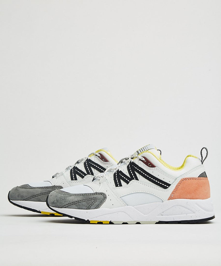 Fusion 2.0 Bright White Wild Dove from Karhu | sneakers | Packyard
