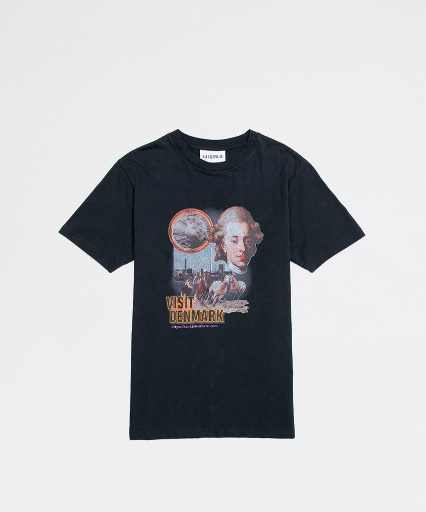 Artwork Tee Faded Black from Han Kjøbenhavn | t-shirts | Packyard