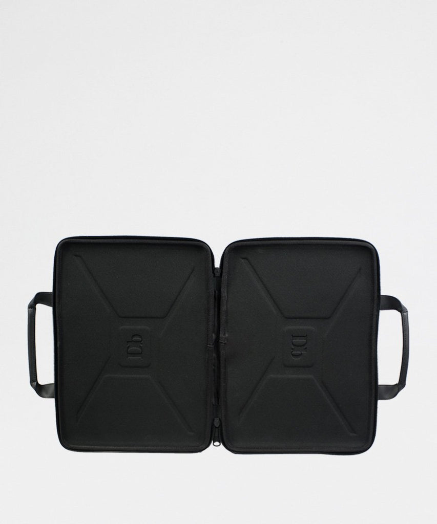 The Hacker Laptop Case 15 Black from Douchebags | Tasker Computer | Packyard