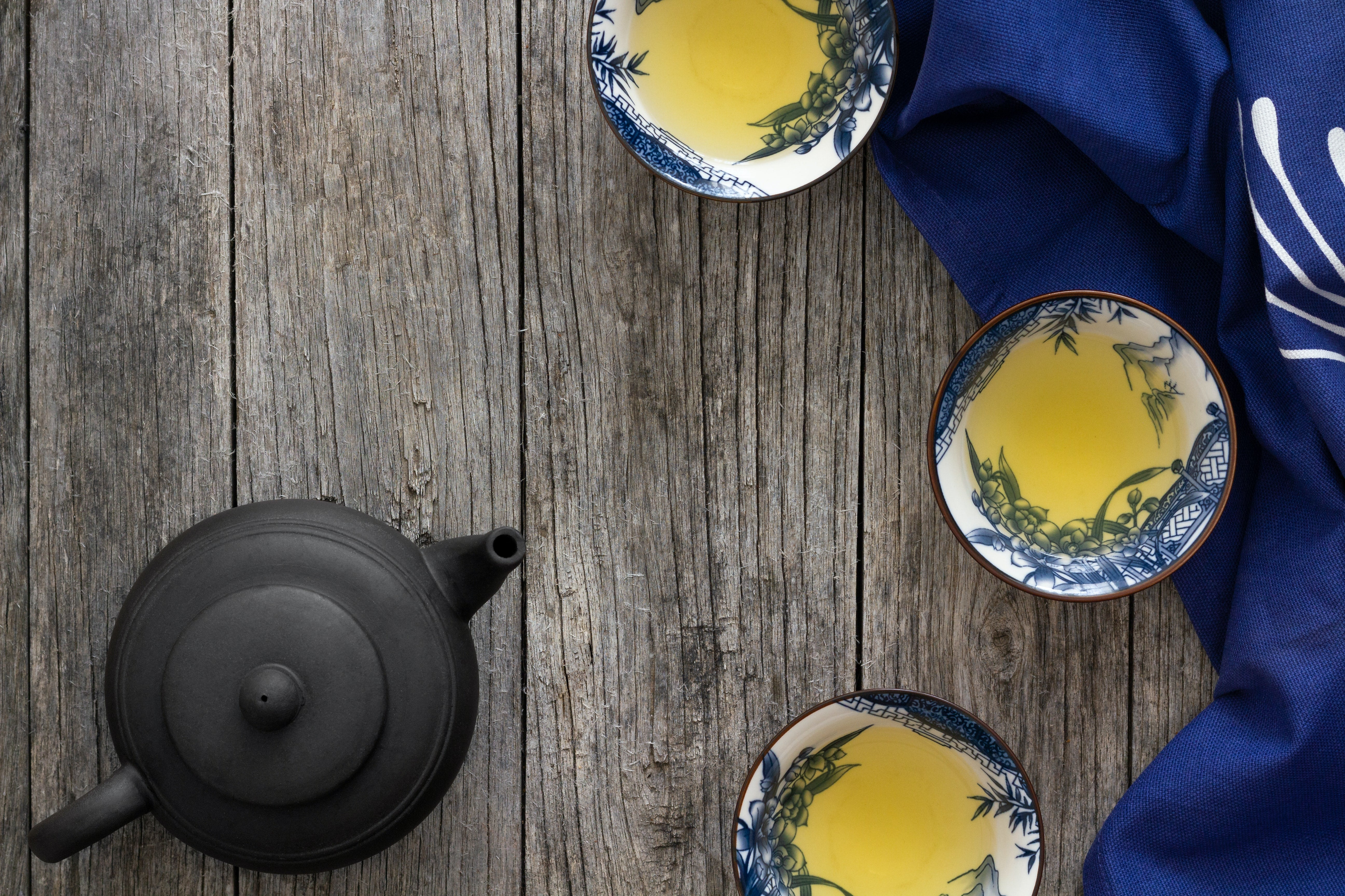 japanese teapot and three cups