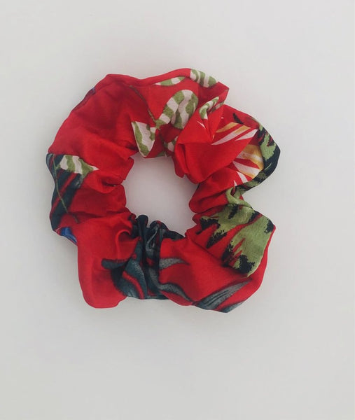 Scrunchie- red tropical