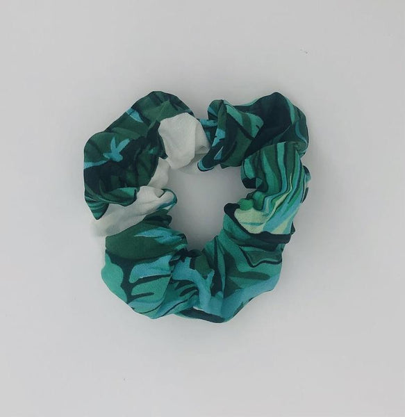 Scrunchie-Green and White Tropical