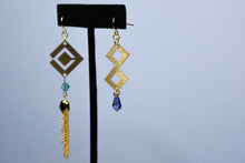 Load image into Gallery viewer, Thunderous Tide Earrings (PREORDER)