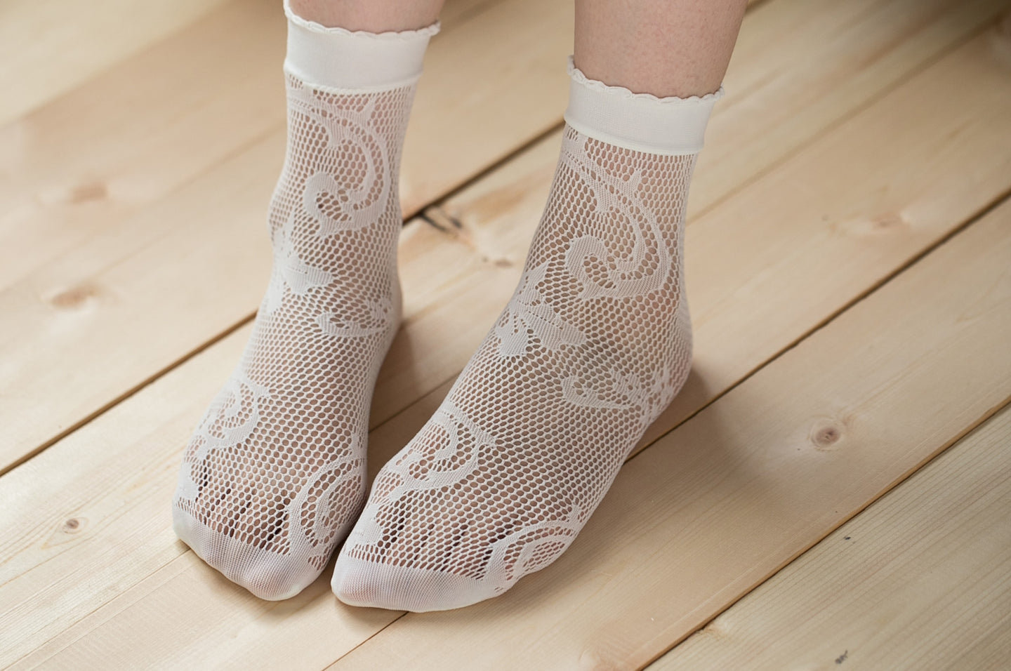 Ankle High Stockings D-2045-White