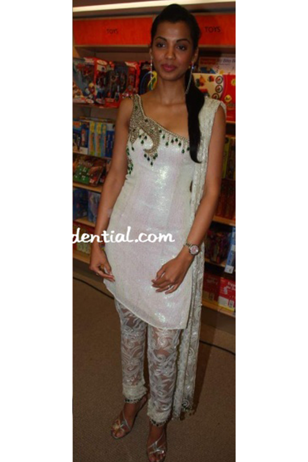 Mughda Godse In One Shoulder Kurta Set