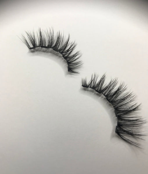 Flirty Magnetic Lash Kit - Charm Logic Cosmetics