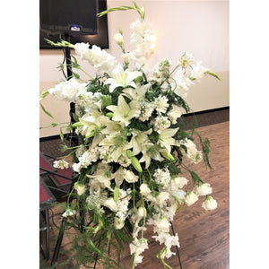 Standing Spray White With Lilies