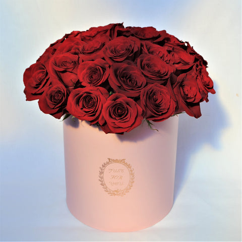 Valentine's Day Hat Box of Roses