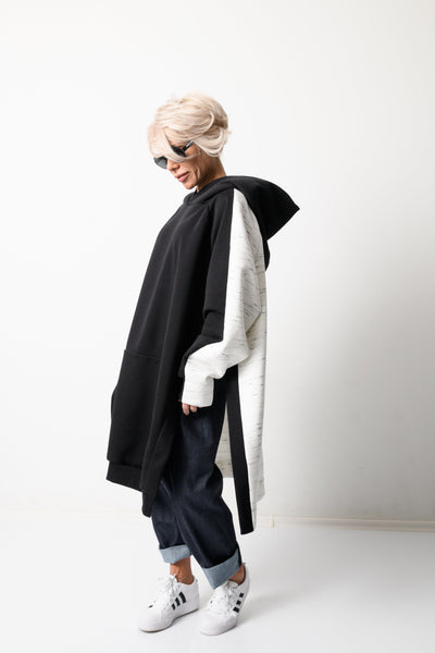 Clothes By Locker Room - Black and White Loose Oversized Hoodie