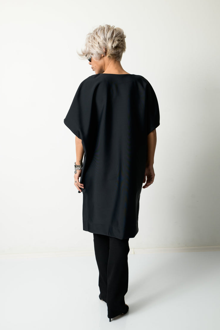 Clothes By Locker Room - Black Fancy Loose Tunic 7/8 Sleeves and V Neck