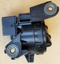 Load image into Gallery viewer, 2003-04 Ford Mustang Vacuum Control