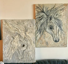 Load image into Gallery viewer, Sweet horse light 18x24