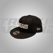 Load image into Gallery viewer, BLACK CAMO SNAPBACK