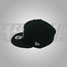 Load image into Gallery viewer, BLACK WHITE & RED SNAPBACK NEW ERA