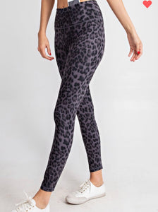 PLUS - Dark Grey Leopard Leggings