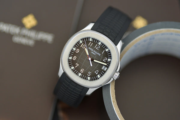 "2008 Patek Philippe Aquanaut ""Transitional"" 5165 with extract"