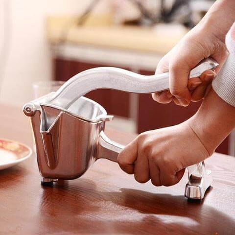 Manual stainless steel fruit juicer, simple operation can produce fresh juice