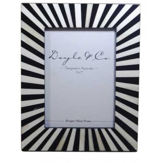 Black & White Radial Frame - Large