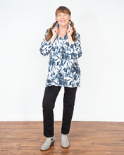 "Load image into Gallery viewer, Habitat ""Vintage Floral Swing Tunic Top"""