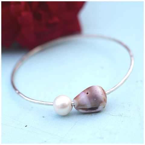 Pearly Shells Keiki Bangle (Purple and Chocolate Striped Cone Shell)