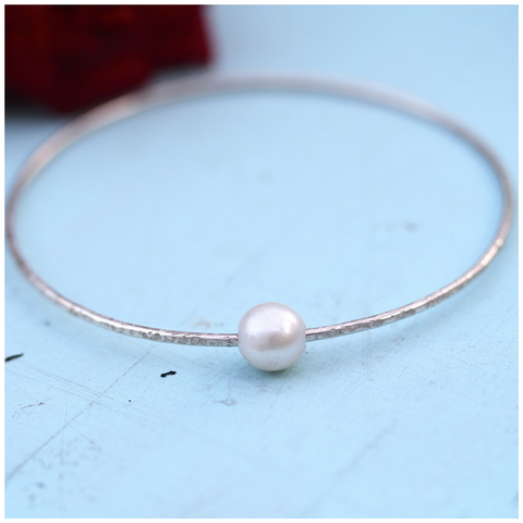 Beachy Bangle with Large Pearl
