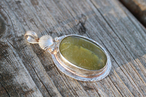 Serpentine and Sea Shell Pendant