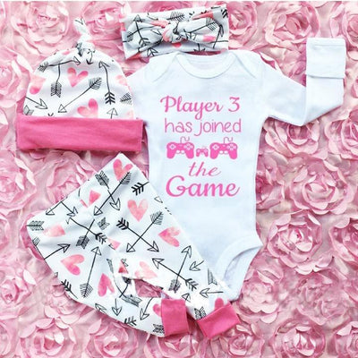 "4PCS ""Player 3 has joined the Game"" Letters Printed Lovely Long Sleeve Romper With Heart Printed Pants Baby Set"