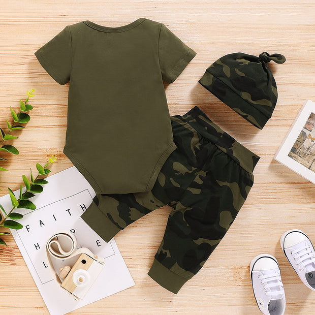 """MAMA'S BOY"" Camouflage Printed Baby Set"